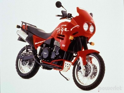 Triumph Tiger 900 photo