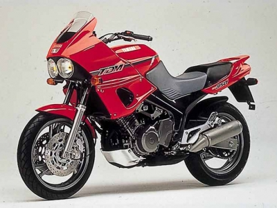Yamaha TDM850 photo