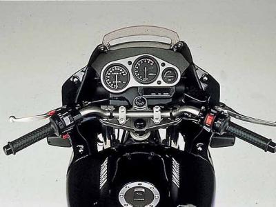 Yamaha TDM850 photo