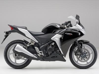 Honda CBR250R photo