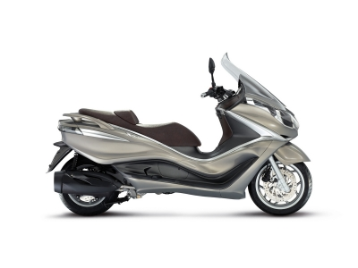 Piaggio X10 350 photo