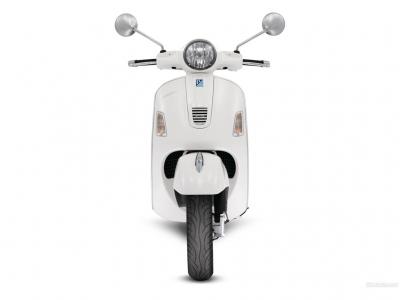 Vespa GTS300 Super photo