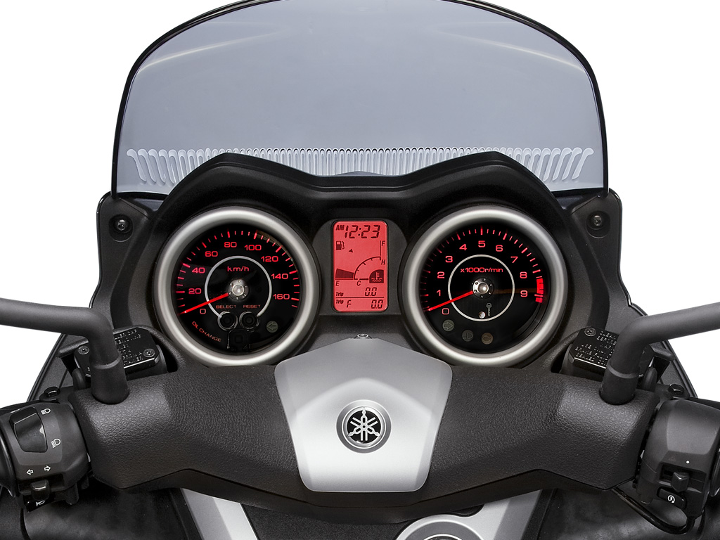 can you ride a yamaha x max 250 with an a2 licence. Black Bedroom Furniture Sets. Home Design Ideas