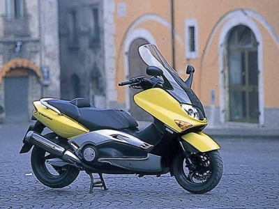 Yamaha T-Max (2001 and beyond) photo