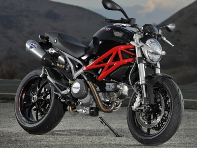 Ducati Monster 796 photo