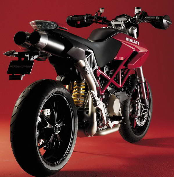 2 up riding with ducati hypermotard 1100