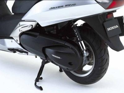 Honda FJS600 Silver Wing photo