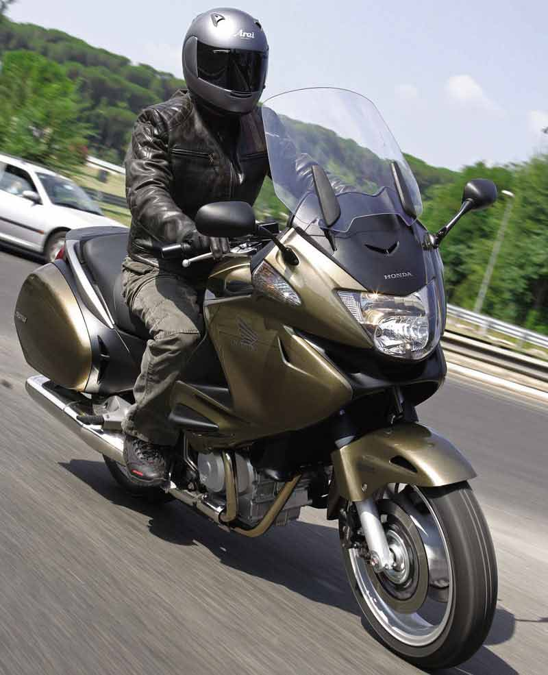 The Bike Insurer >> Can you ride a Honda Deauville with an A2 licence?