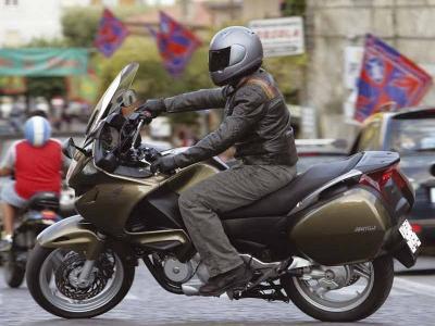 Honda Deauville photo