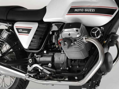Moto Guzzi V7 Classic photo